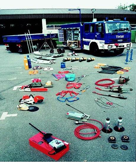 Ausstattung und Fahrzeuge der Bergungsgruppe 1 (Bild: THW Bundesschule Hoya)