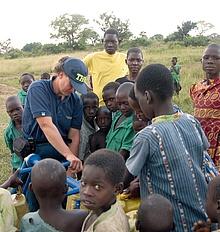 THW-Kräfte übernehmen Verantwortung und helfen damit Menschen in Not.